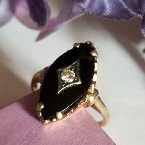 Gorgeous 15k Gold VTG Diamond Black Onyx Ring